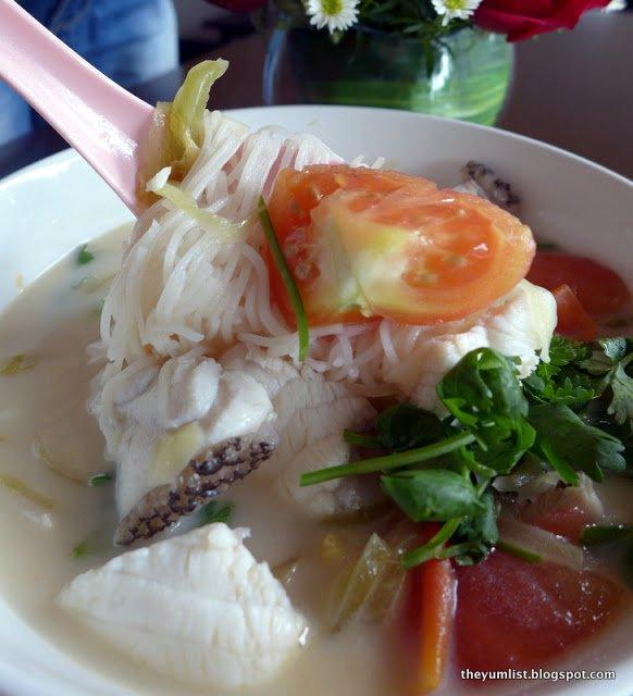 Moon Kee Section 17 Fish Head Noodles, Petaling Jaya