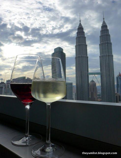 Sky Bar, Trader's Hotel, Kuala Lumpur City Centre,