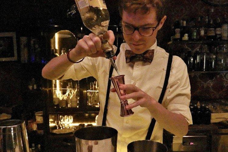 bartender Ril's