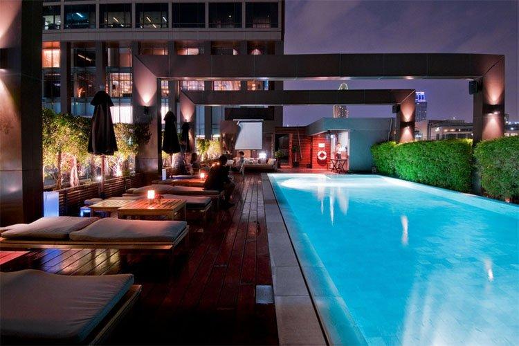 hotels near Siam Paragon
