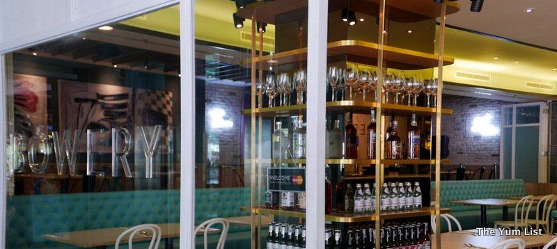 Bowery Kitchen and Bar, Publika