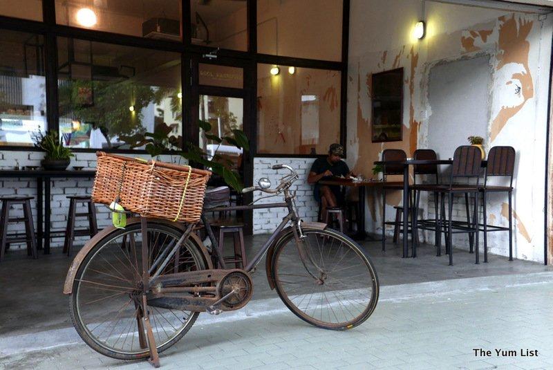 Soul Sacrifice, Cafe, Desa Pandan