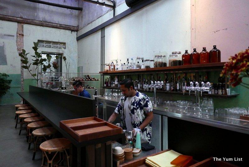 Botak Liquor Bar, Chinatown